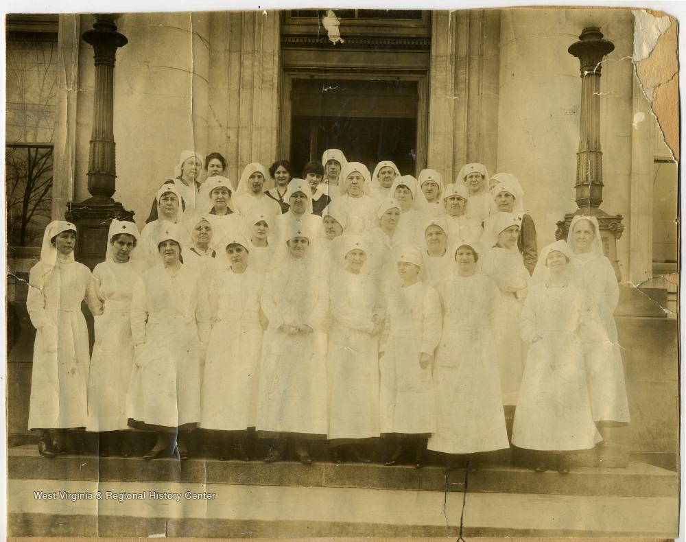 archival image of nurses in Morgantown circa 1918