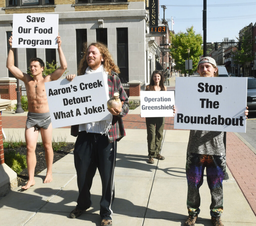 green bag roundabout protest