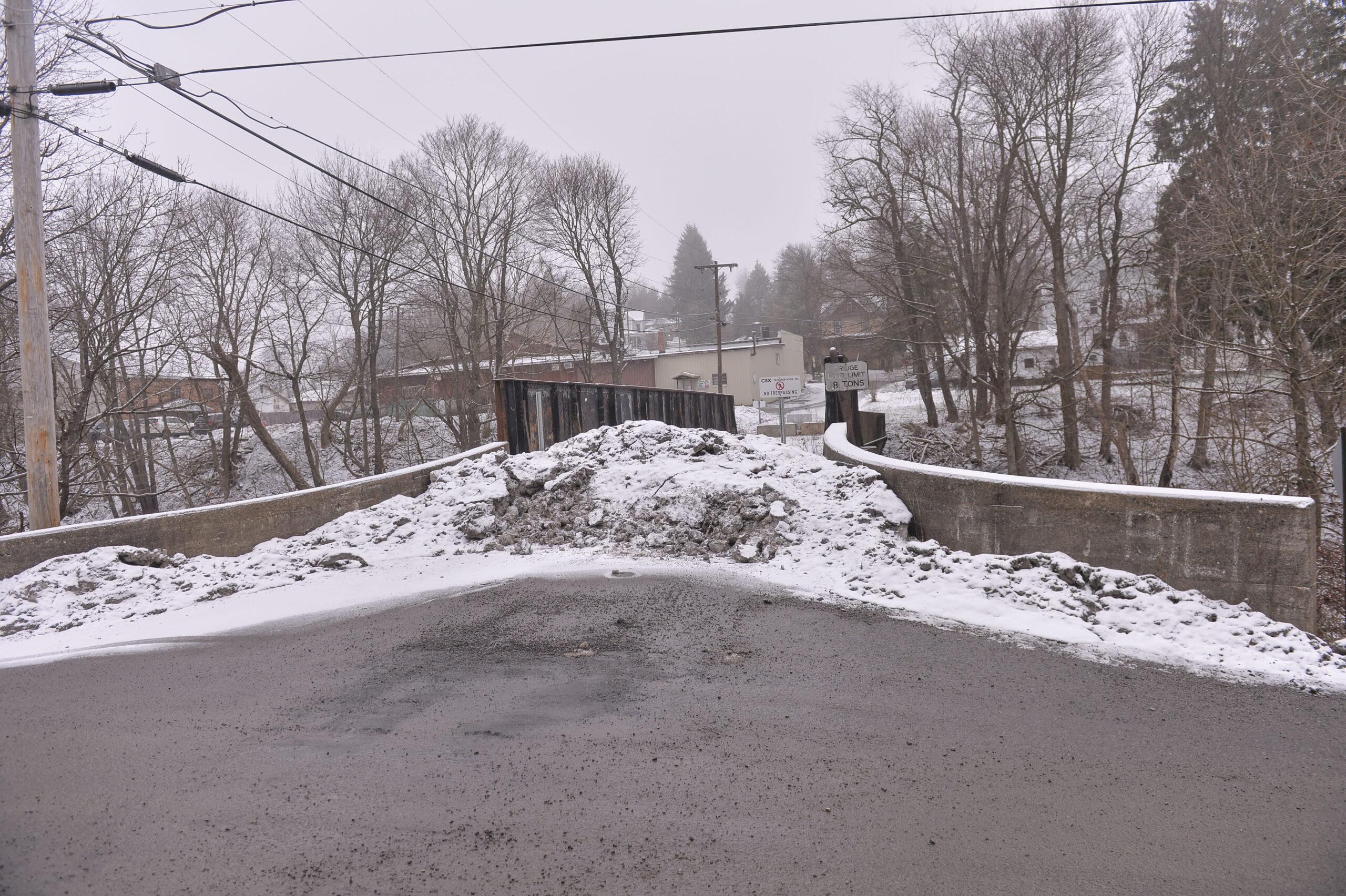 closed Tunnelton Bridge
