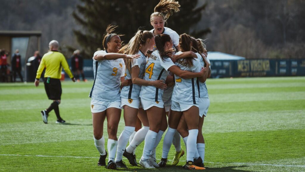 WVU ROUNDUP: Sibley's late goal lifts Mountaineers over Virginia 1-0