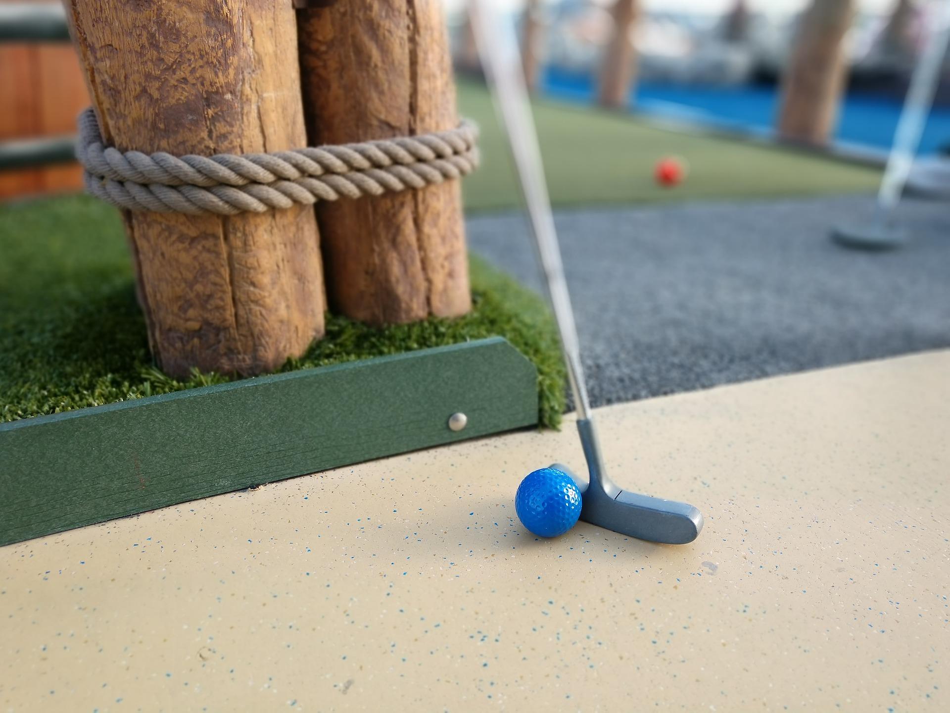 putt putt mini golf